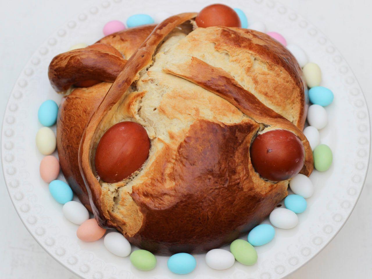 Tradiční Portugalské Velikonoční pečivo Folar